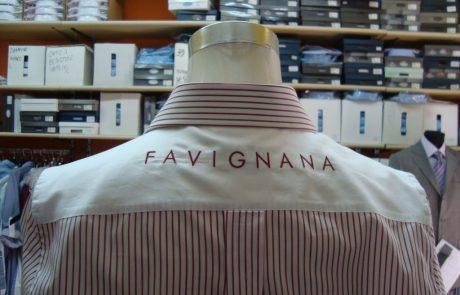 dettaglio retro camicia banda musicale favignana
