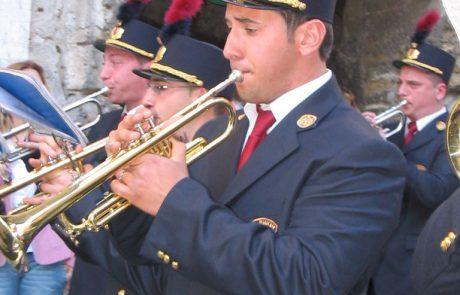 divisa e cappello banda musicale aidone